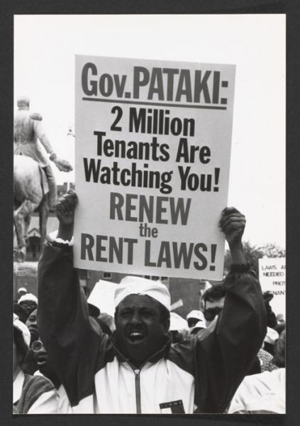 A tenant demands the renewal of the rent laws (1997).
