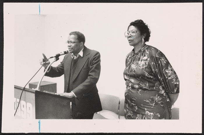 Bess Stevenson at a Met Council on Housing Assembly meeting (1986).